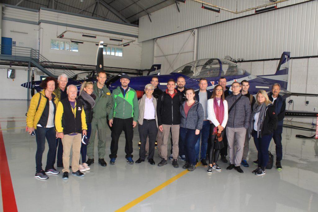 Gruppenfoto vor PC-21